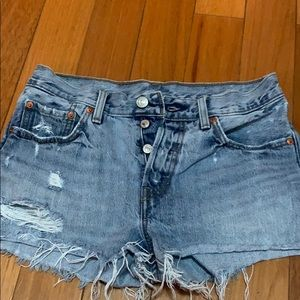 Levi's  priced to sell